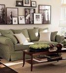 Полочки для рамок над диваном