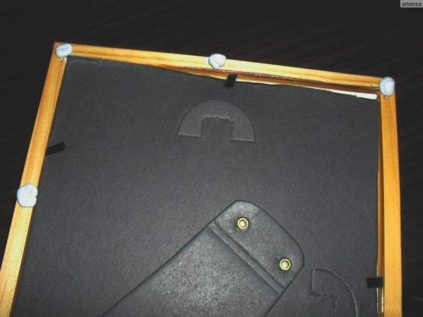 Крепление фоторамки на клейкую массу