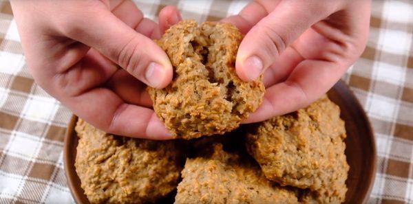 Готовое печенье «Кокосанка» с орехами и овсяными хлопьями