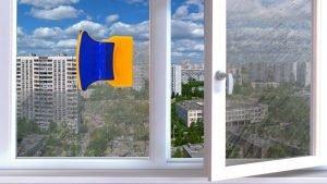 Окно и магнитная щётка для мытья