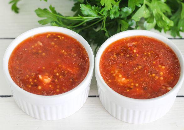 Куриный паштет с пряной томатной заливкой в маленьких формочках