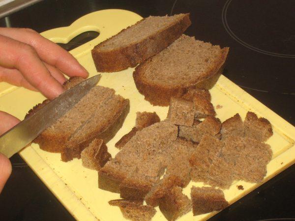 Чёрствый чёрный хлеб