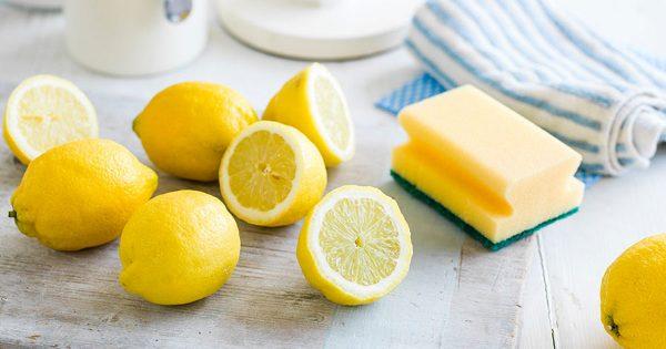 Лимон и кухонная губка