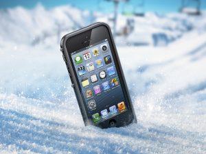 Телефон в снегу