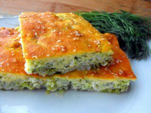 Заливной пирог с капустой - очень простое в приготолении угощение, которому обрадуются ваши близкие и друзья