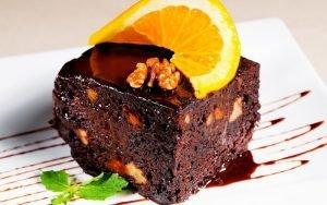 Классическое шоколадное брауни - лёгкий способ удивить близких своим и кондитерскими умениями