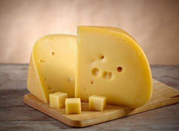 Хороший твёрдый сыр