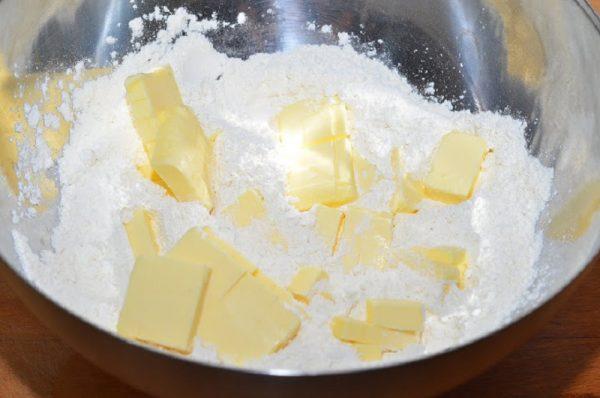 Создание оcновы для пирога с вареньем