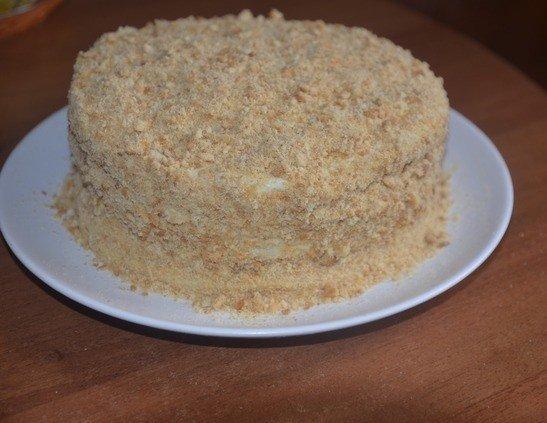 Торт с посыпкой из измельчённого печенья