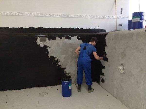 Нанесение жидкой резины на стенки