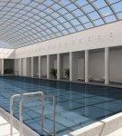 Зенитный фонарь в бассейне