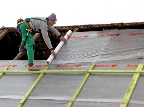 Гидроизоляция на стропилах крыши