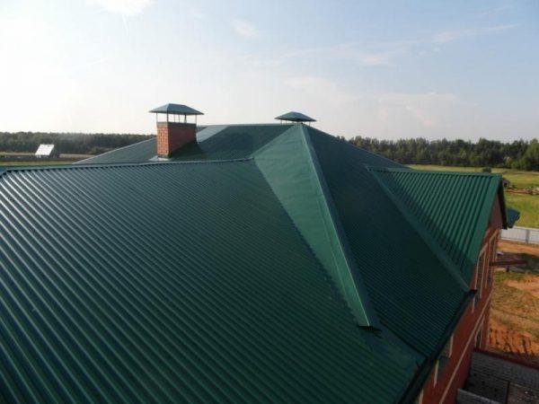 Сложная крыша из профнастила