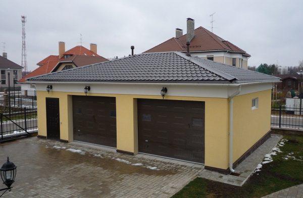 Шатровая крыша гаража