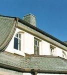 Крыша из зелёного сланца