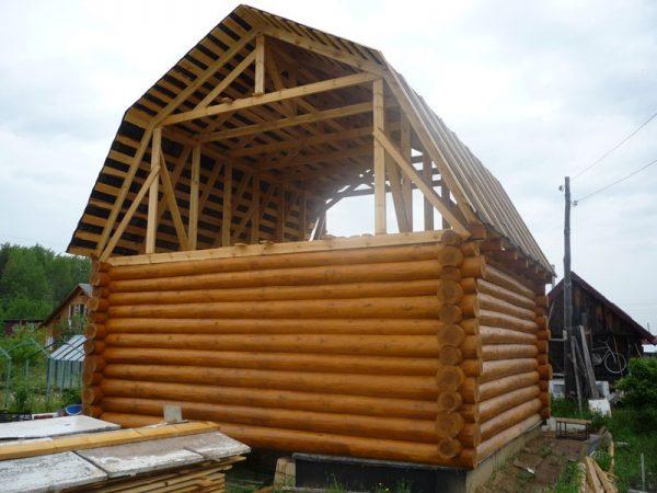 Строительство ломаного типа крыши