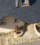 Крыша из сланца необычной формы