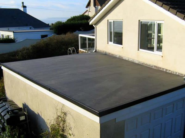 Бетонная крыша гаража-пристройки
