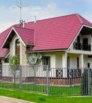 Полувальмовая крыша с ендовой