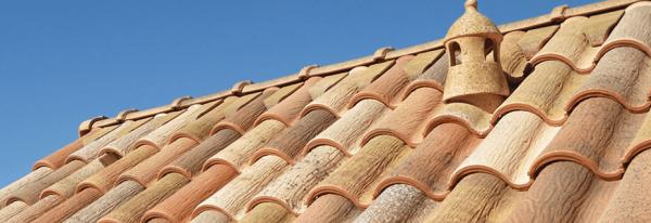 Мансардная крыша, покрытая керамической черепицей