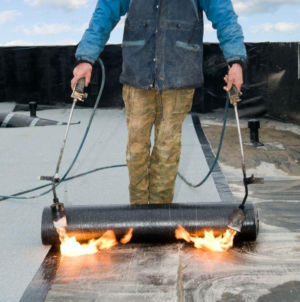 Использование газовой горелки для кровельных работ