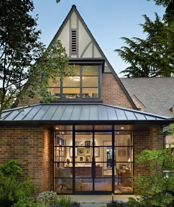 Пример остроконечной крыши жилого здания