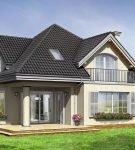Сложная многощипцовая конструкция с окнами мансарды
