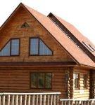 Классическая двускатная крыша с жилым чердаком