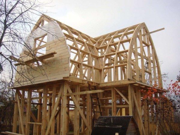 Строительство фронтона из древесины