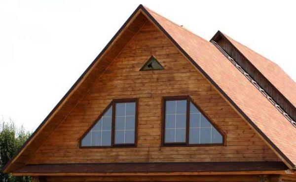 Треугольный фронтон