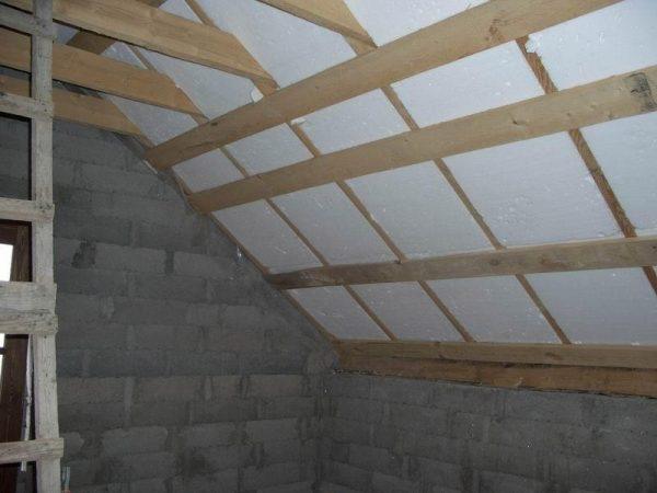 Этап внутреннего обустройства крыши