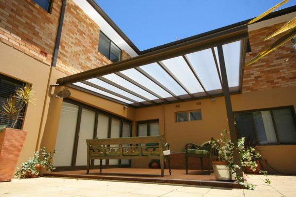 Терраса с крышей из поликарбоната