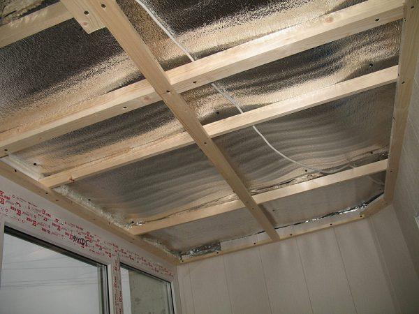 Утеплённая крыша балкона перед отделкой