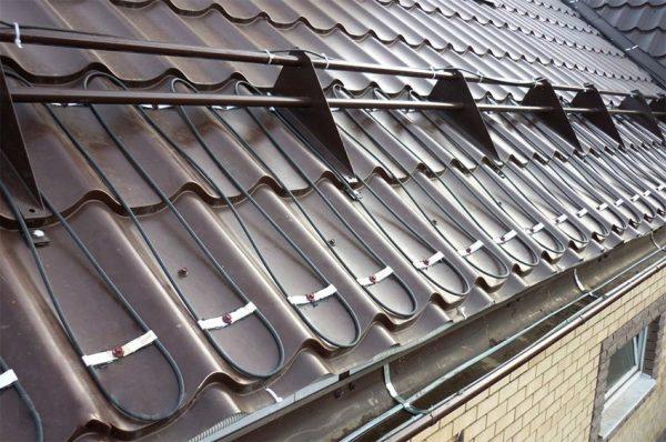 Система антилёд на крыше из металлочерепицы