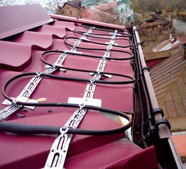 Монтаж кабеля на крыше