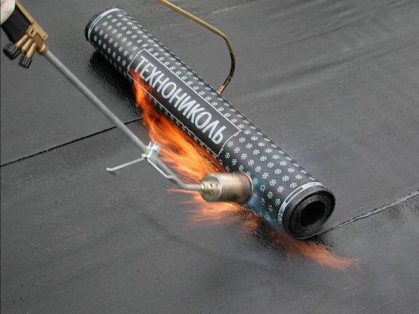Раскатывание второго слоя горячим способом