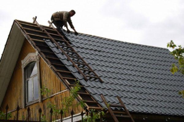 Ремонт крыши деревянного дома