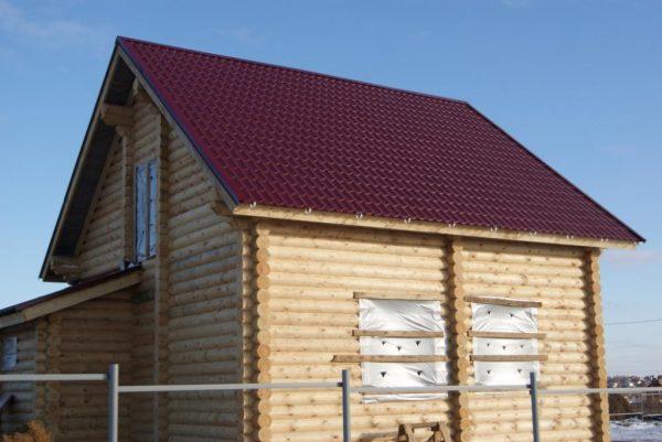 Двускатная крыша из металлочерепицы