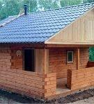 Крыша бани из металлочерепицы