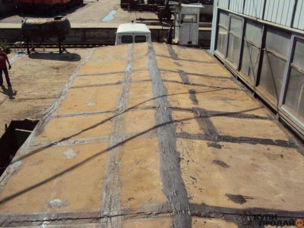 Процесс реставрации железной крыши