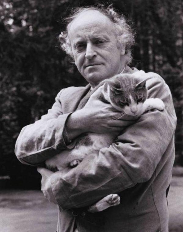 Бродский с котом на руках