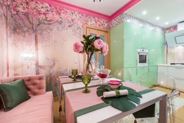 Розово-зеленая кухня