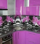 Фиолетовый гарнитур и фартук с узором