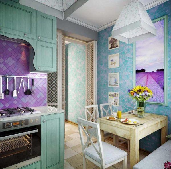 Бирюзово-лиловая кухня