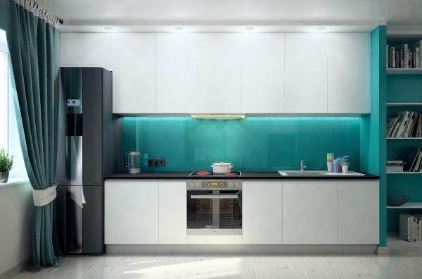 Бирюзовая кухня с зелёными шторами