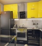 Сочетание жёлтого, чёрного и серого в дизайне кухни
