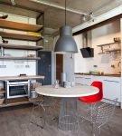 Просторная кухня-гостиная в квартире с оформлением в стиле лофт
