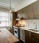 Шторы и светильники в стиле лофт на кухне