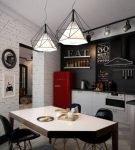Небольшая кухня с элементами стиля лофт