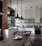 Длинный стол на кухне лофт